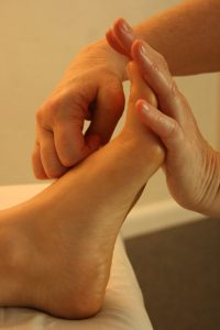 Comparing Thai Reflexology With The Western Style